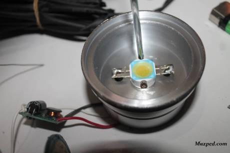 baut Led dan solder kabelnya