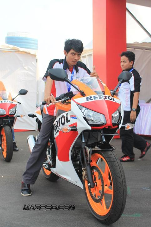 CBR150R emang Suippp